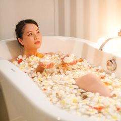 Luxury Flower Bath